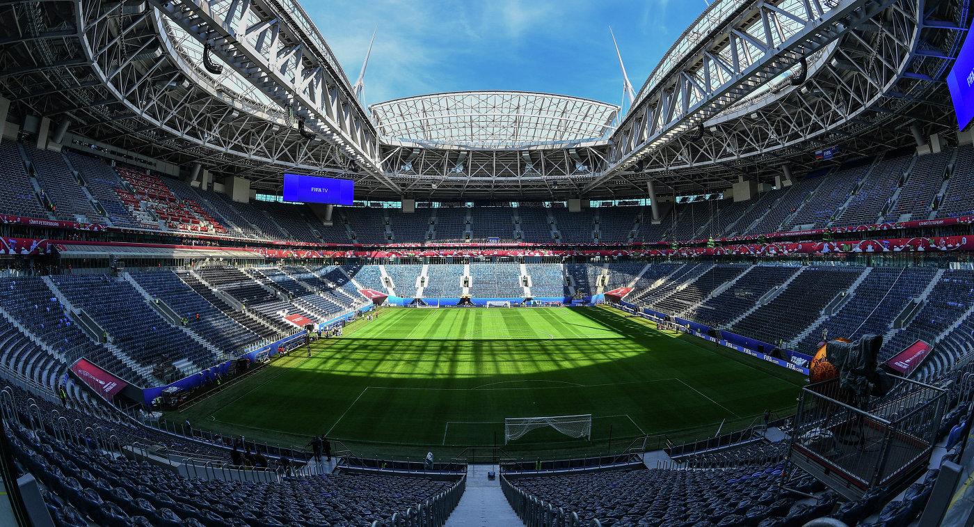 Стадион «Санкт-Петербург Арена» поле и трибуны